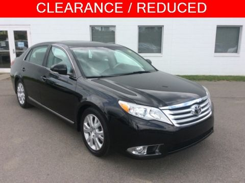 Pre-Owned 2012 Toyota Avalon Limited FWD 4D Sedan