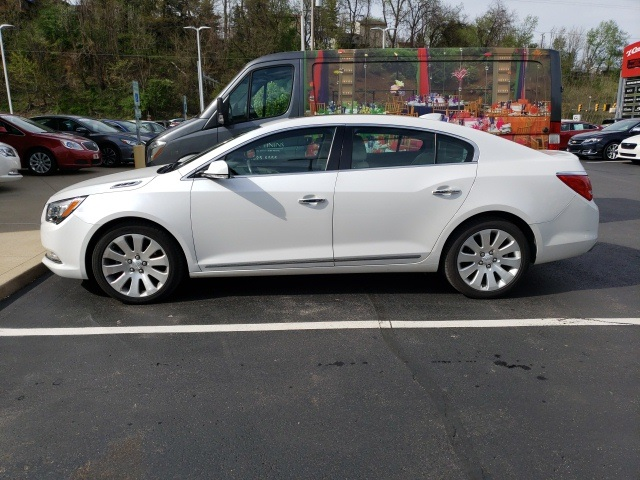 Pre Owned 2016 Buick Lacrosse Leather Group